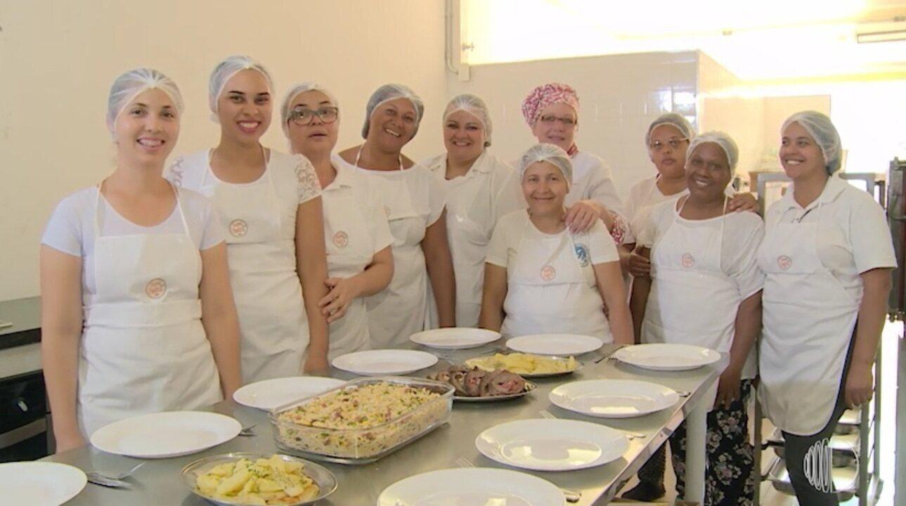Projeto 'Cozinha Paulista' muda a vida de mulheres em Ferraz de Vasconcelos