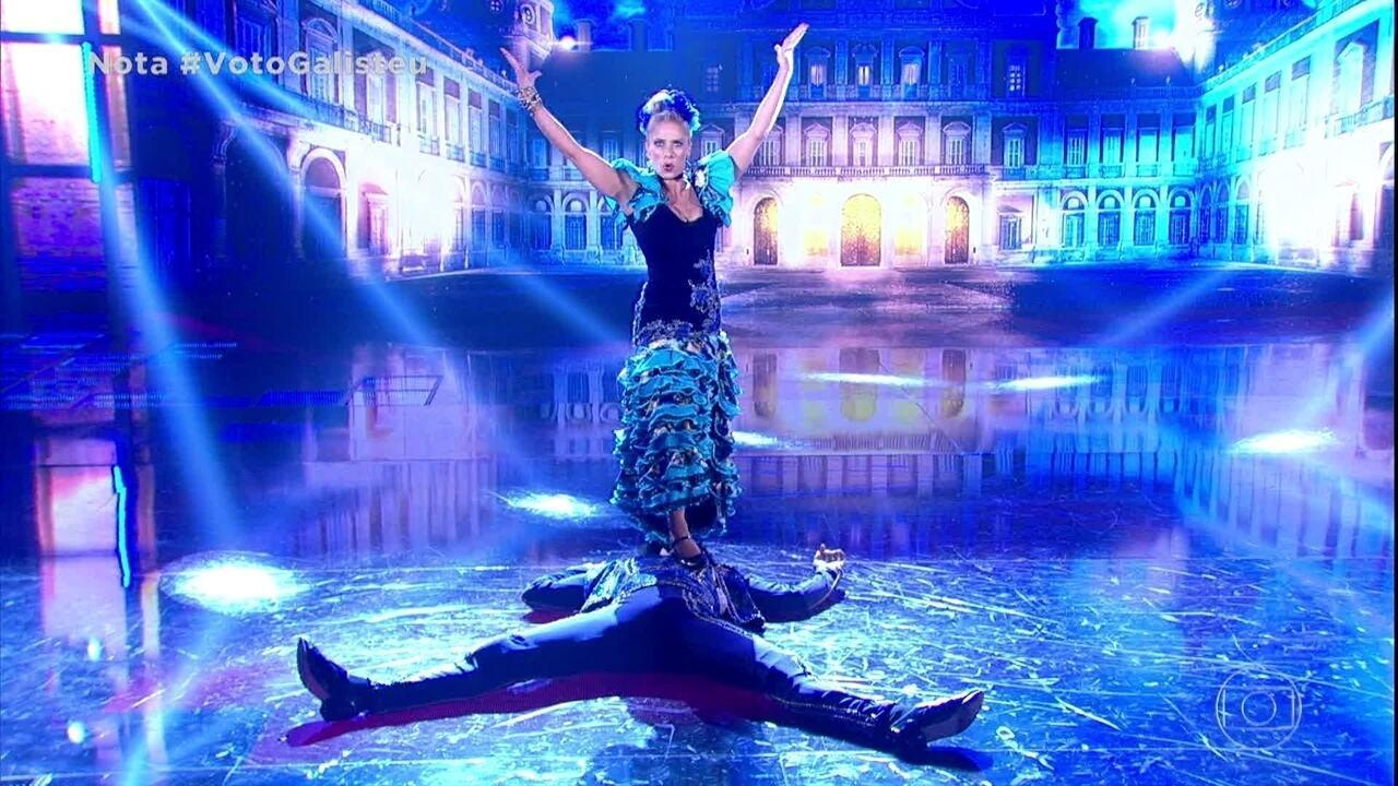 Adriane Galisteu e Marcus Lobo dançam o paso doble