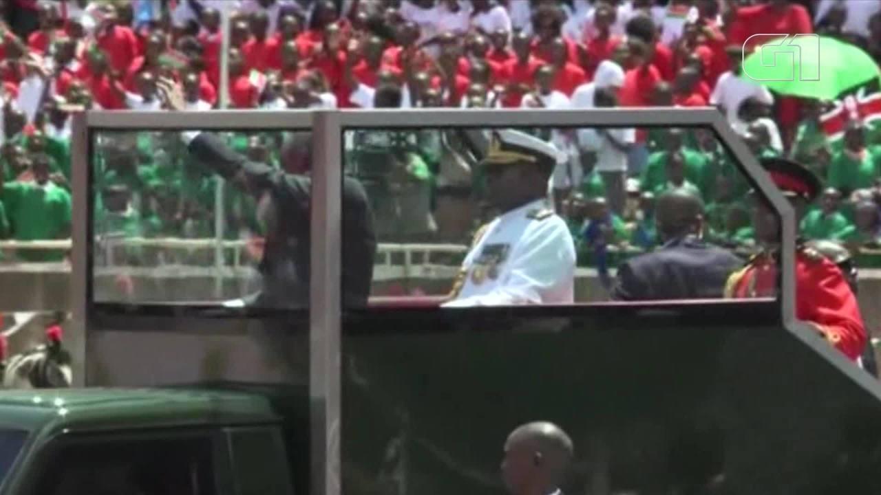 Uhuru Kenyatta presta juramento como chefe de Estado
