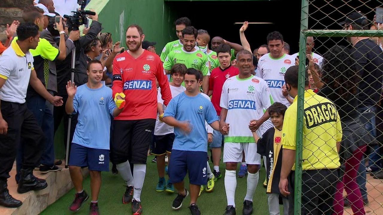 Lendas do futebol brasileiro e do boxe participam de futebol beneficente d9577bd363546