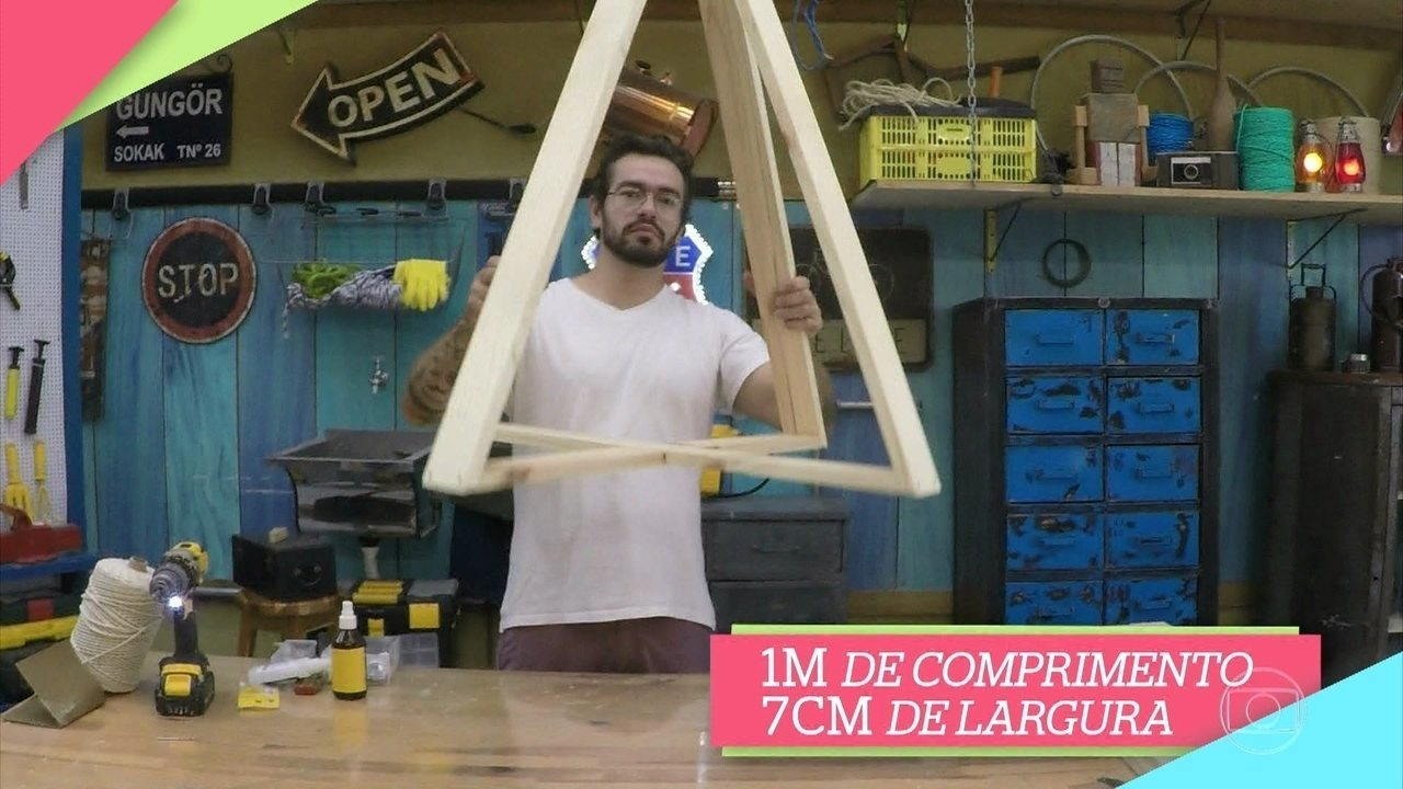 Fábio Basso mostra como fazer árvore de Natal com madeira