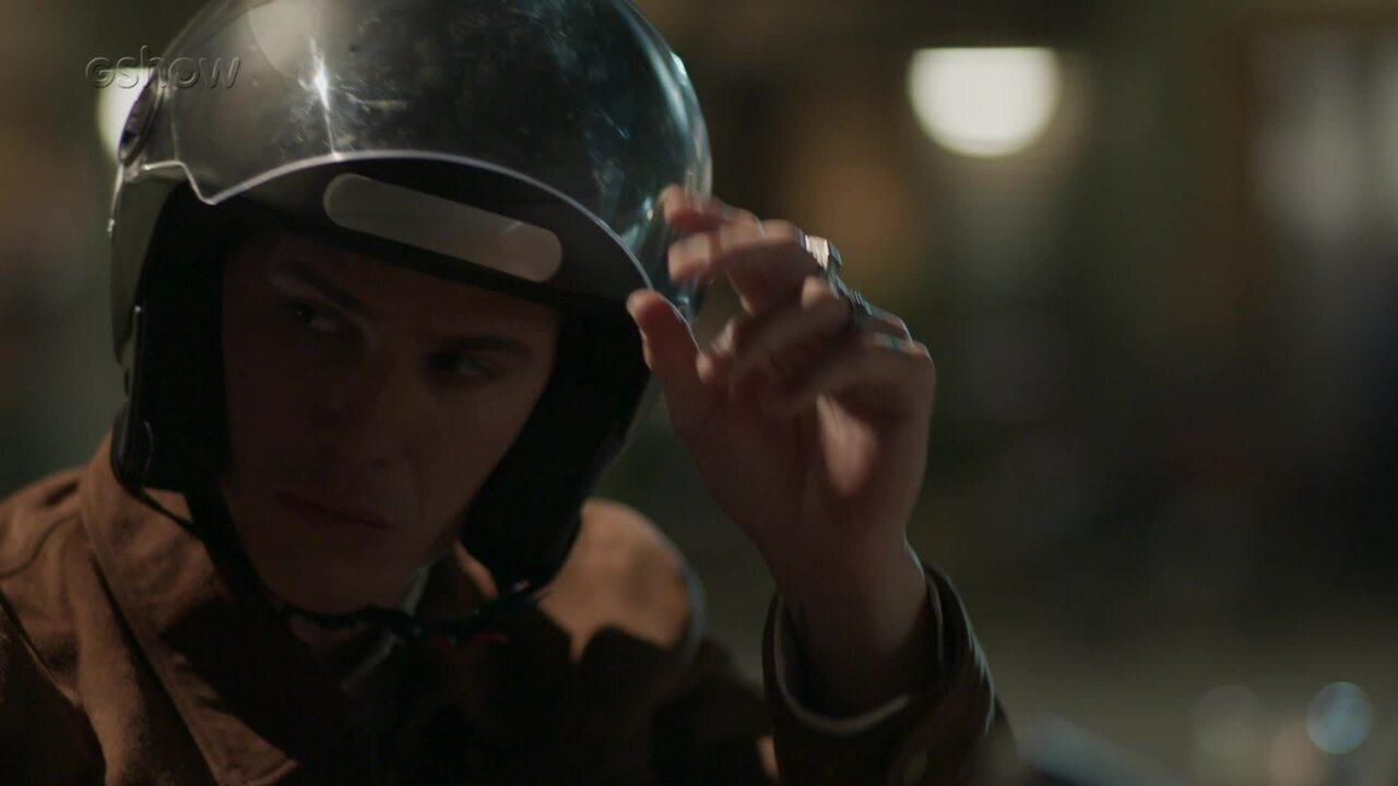 Teaser 'Pega Pega' 04/12: Antônia descobre que Timóteo tem filho