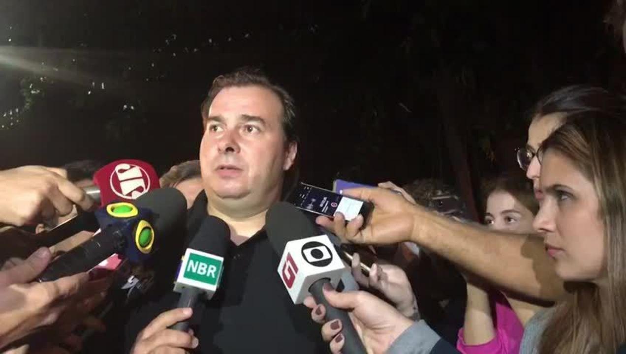 Rodrigo Maia fala sobre reforma da Previdência depois de jantar com Temer