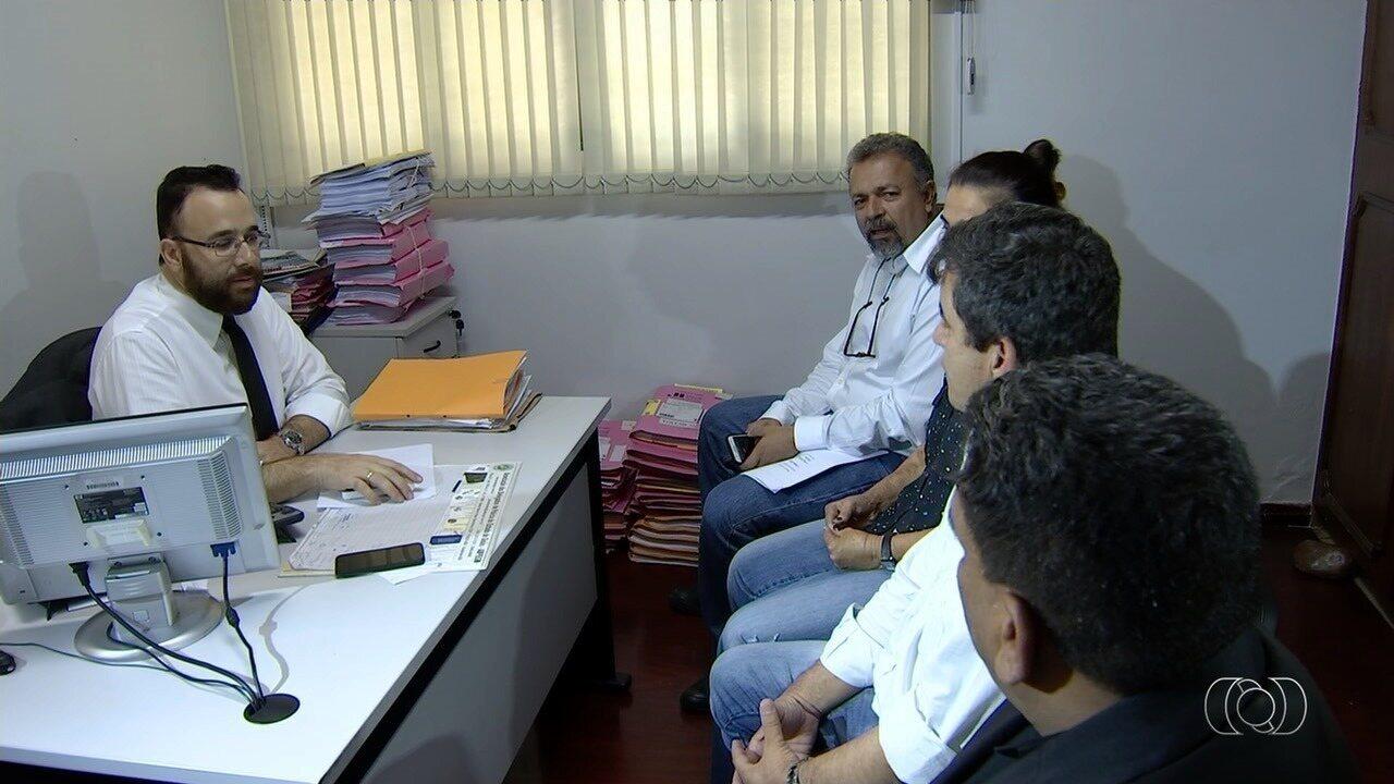 Vereadores pedem que a polícia investigue a falta de materiais odontológicos em Goiânia