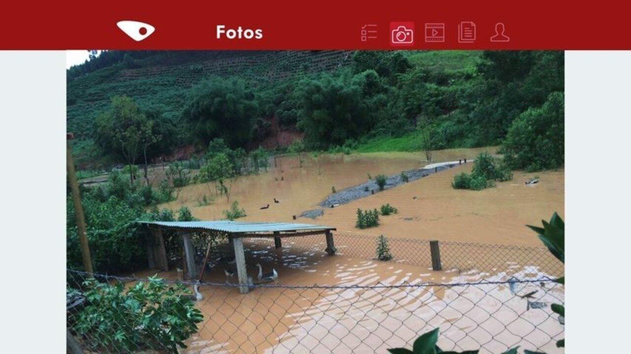 Distrito em Domingos Martins fica debaixo d'água após chuva forte