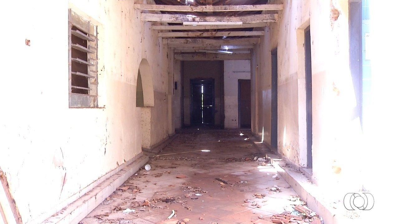 Casarão está abandonado em Porto Nacional