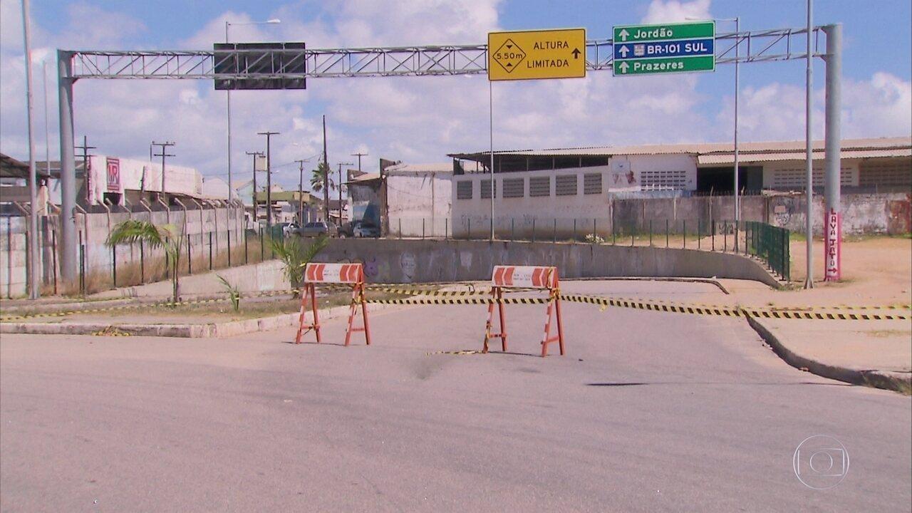 Túnel no Jordão é interditado por problemas estruturais