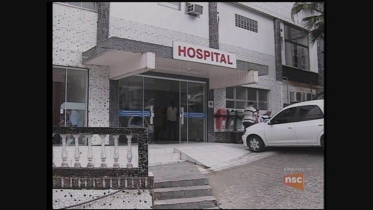 Médicos de hospital em Laguna mantêm paralisação por tempo indeterminado