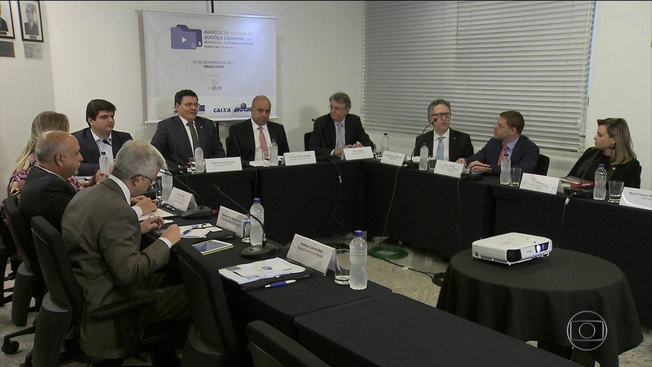 Juízes federais debatem formas de combate à pirataria digital
