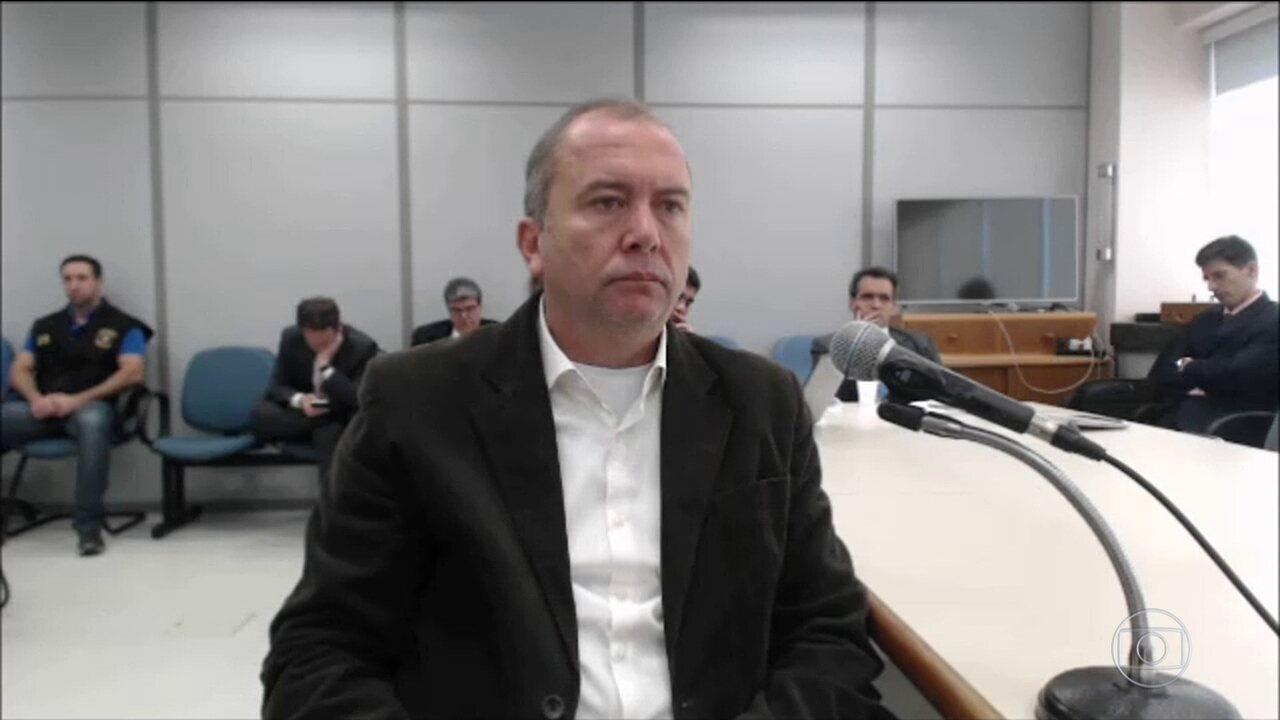 Amigo de infância de Sérgio Cabral conta tudo sobre suposta propina