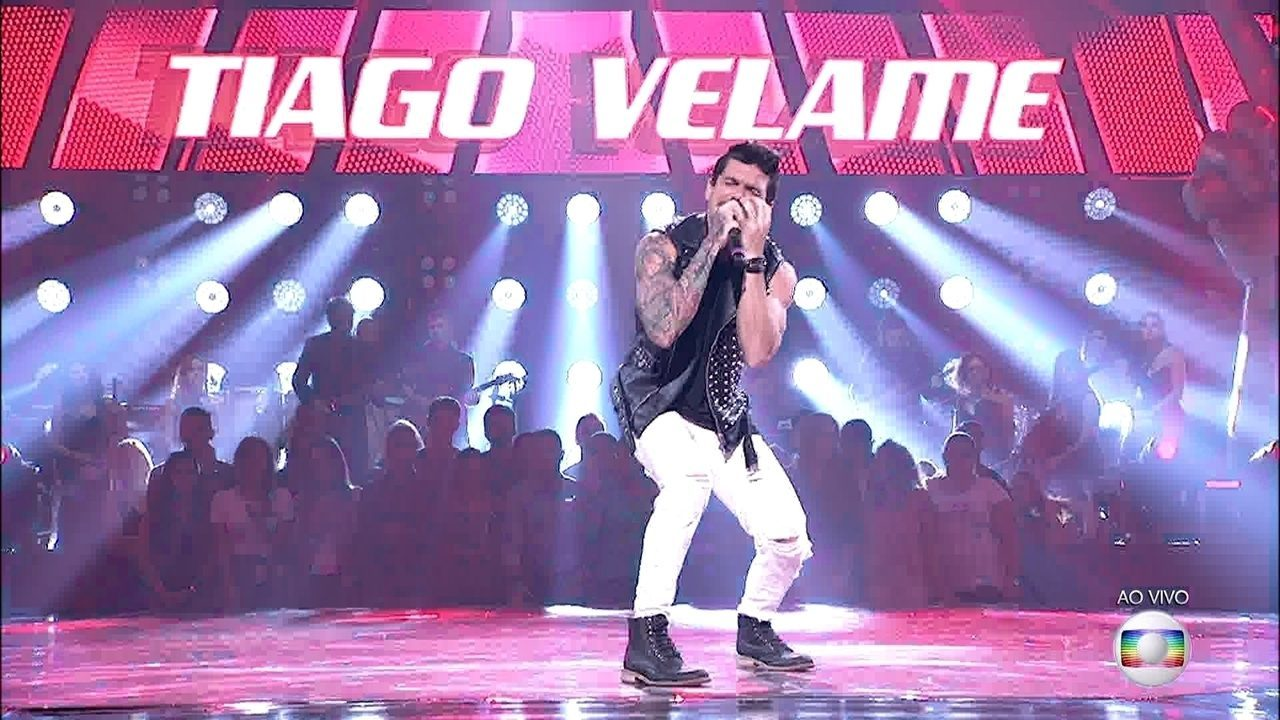 Tiago Velame canta 'The Best Of You'