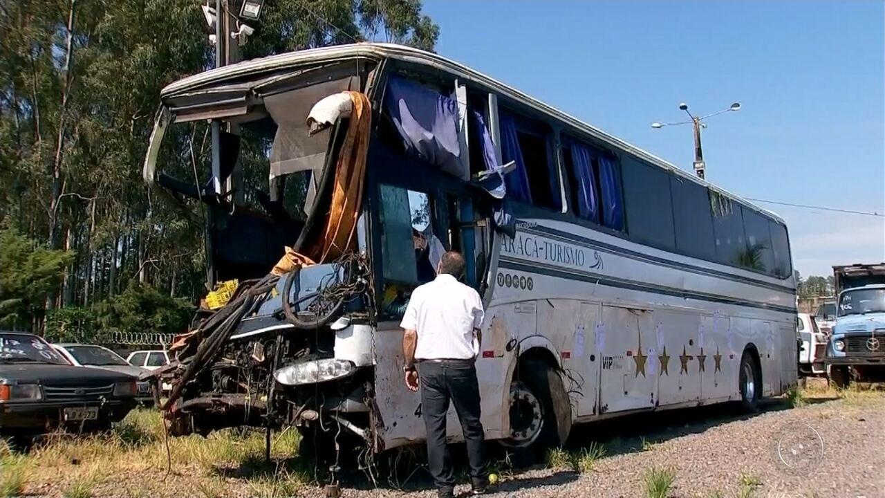 Feridos em acidente com ônibus de sacoleiros estão internados em Tupã, Marília e Ourinhos