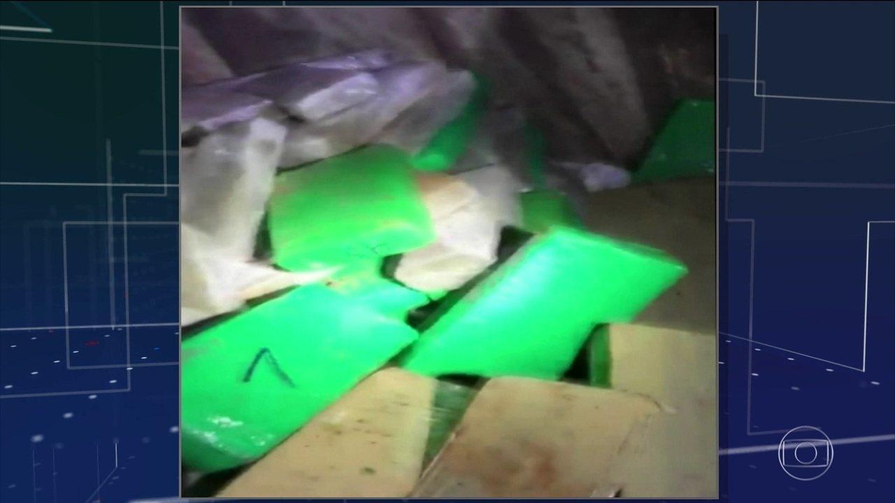 Polícia de MS descobre bunker onde traficantes escondiam uma tonelada de maconha