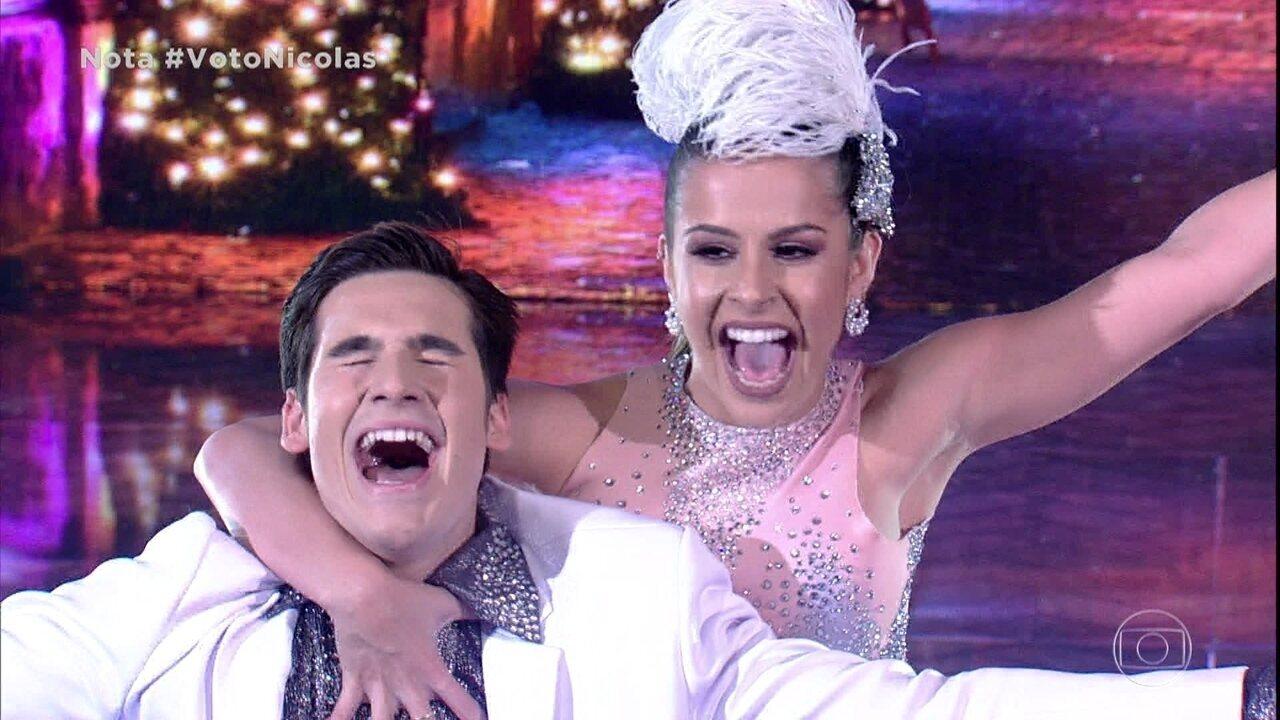 Nicolas Prattes anima a plateia dançando samba!