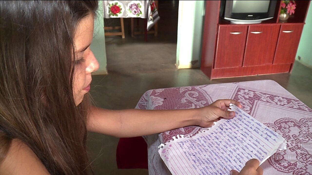 Crianças do sertão de Pernambuco pedem água a Papai Noel
