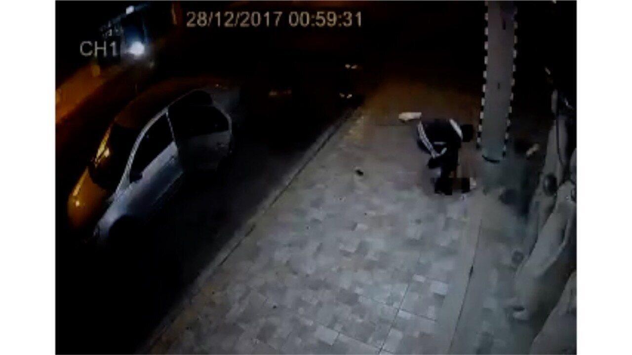 Câmeras de segurança flagra momento em que bandidos saqueiam loja em Mossoró, RN
