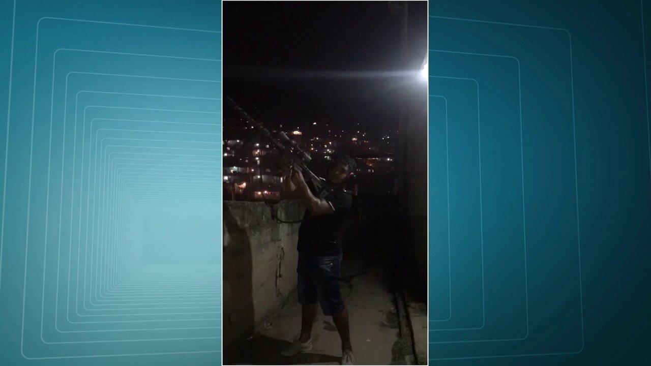 Polícia Civil investiga uso de metralhadora .50 por traficantes, no Complexo do Alemão