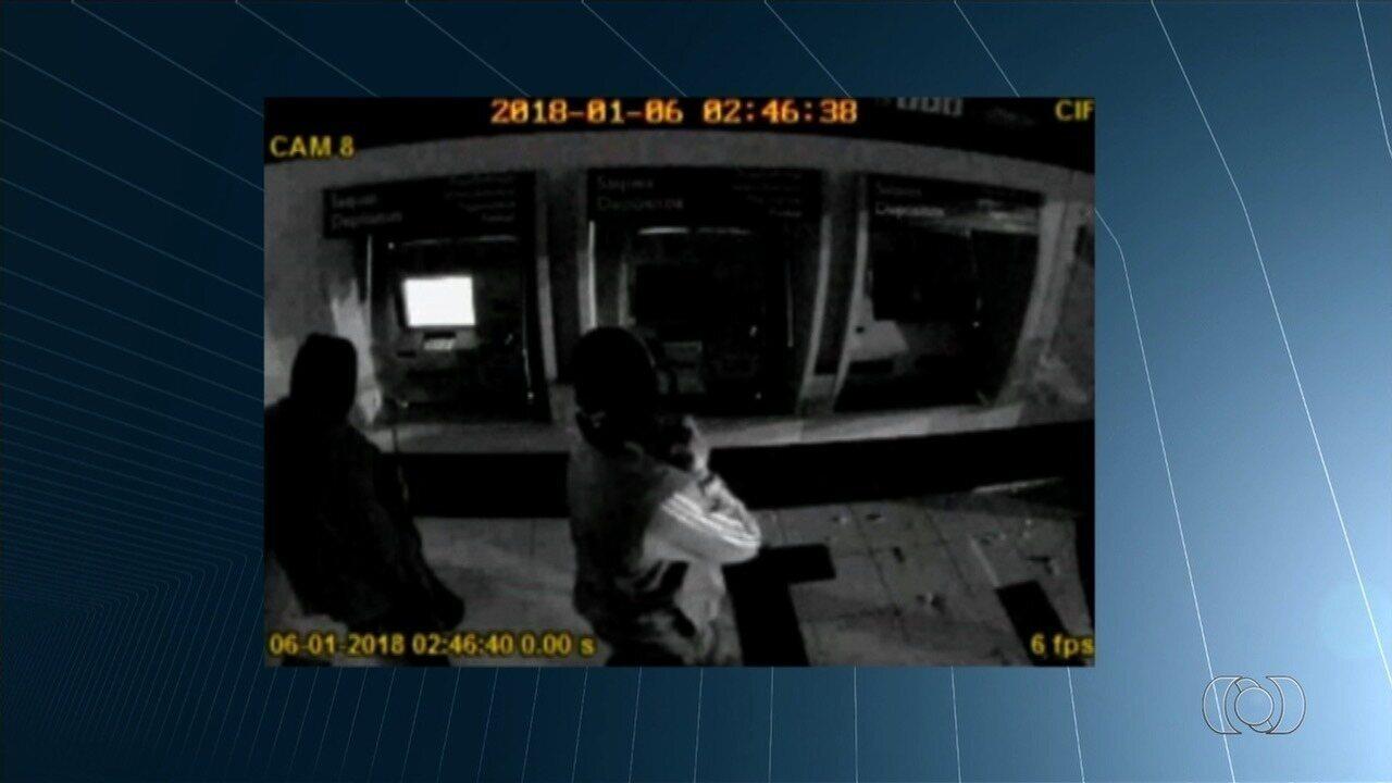 Dois suspeitos de roubo a banco são mortos em confronto com a polícia em Senador Canedo