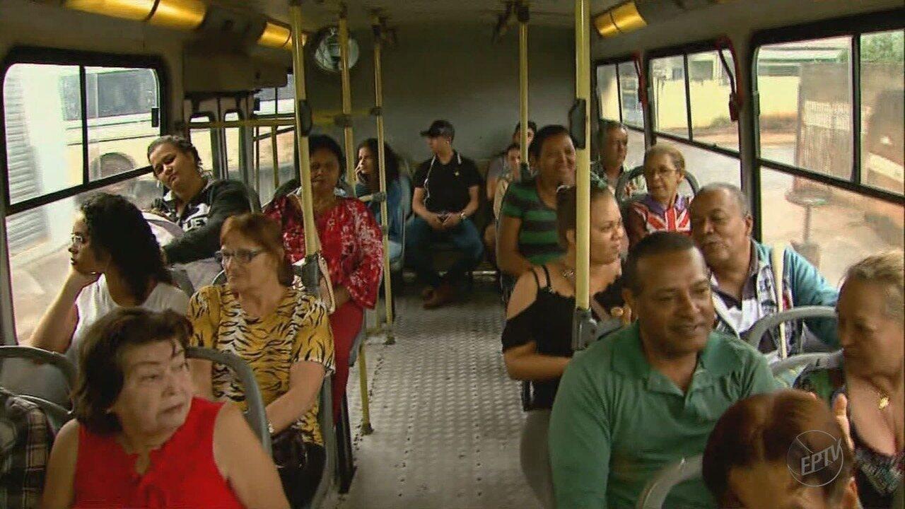 Usuários do transporte público reclamam de alta na tarifa em Barretos, SP