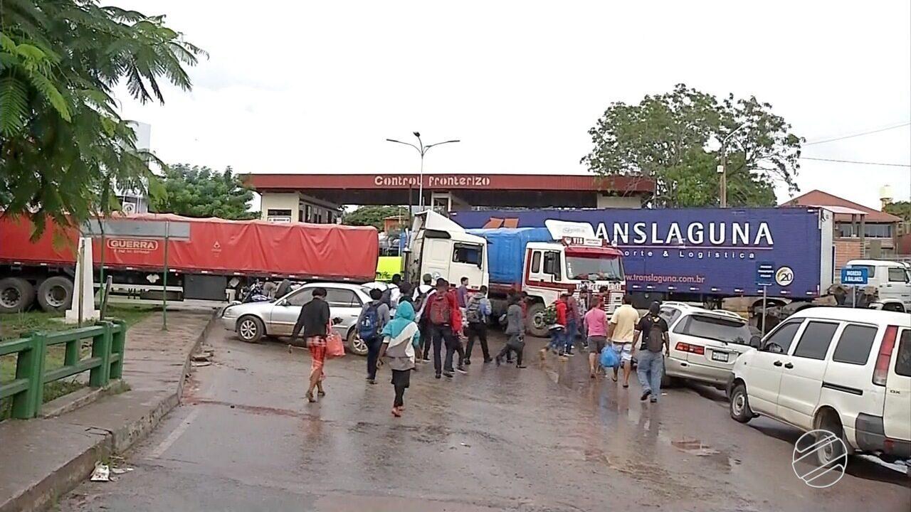 Trabalhadores do transporte boliviano fecham fronteira com Corumbá