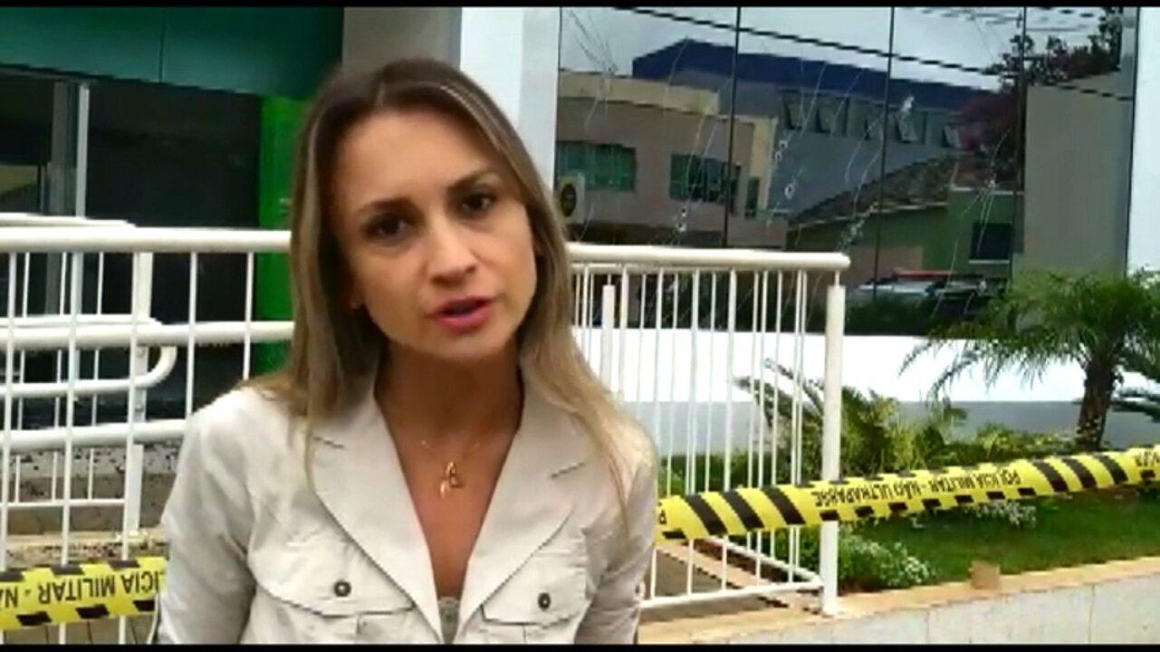 Grupo armado explode agência bancária e assusta moradores de Piraí do Sul