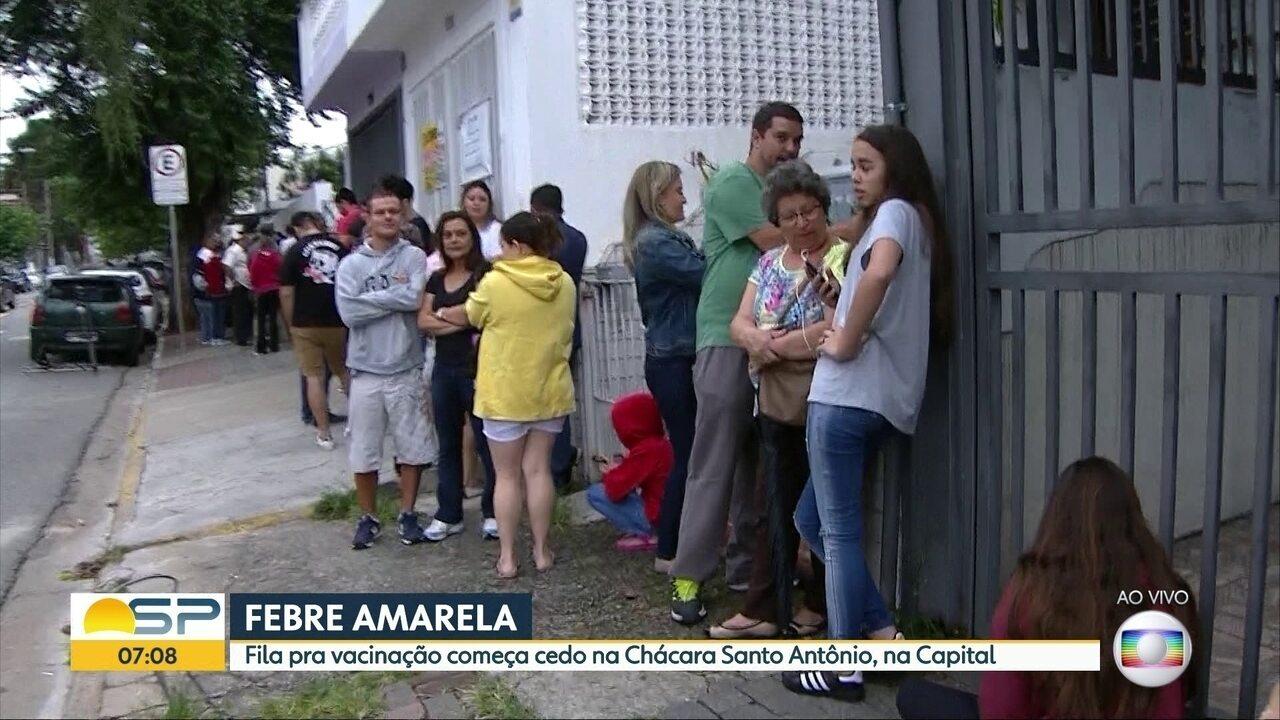 Moradores da Grande SP fazem filas nos postos por vacina contra febre amarela