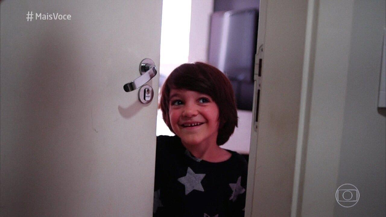 Aos 6 anos, Theo é apaixonado por ciências