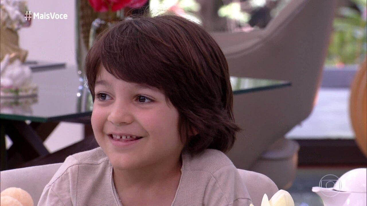 Ana Maria Braga recebe o menino Theo na Casa de Cristal