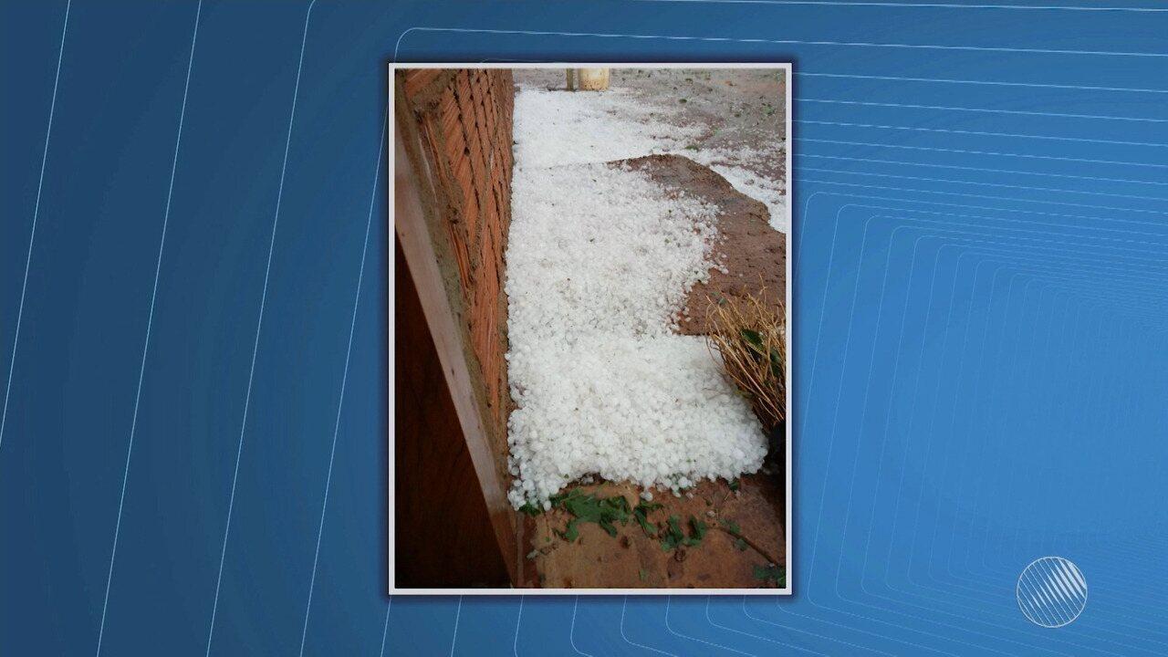 Chuva de granizo assusta moradores da zona rural de Wanderley, no oeste do estado