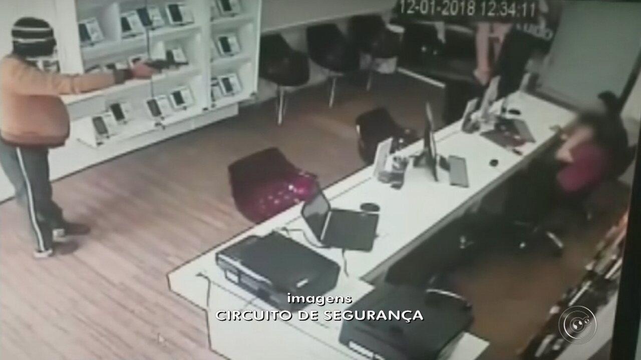 Ladrões invadem loja e roubam celulares em menos de um minuto em Ibitinga