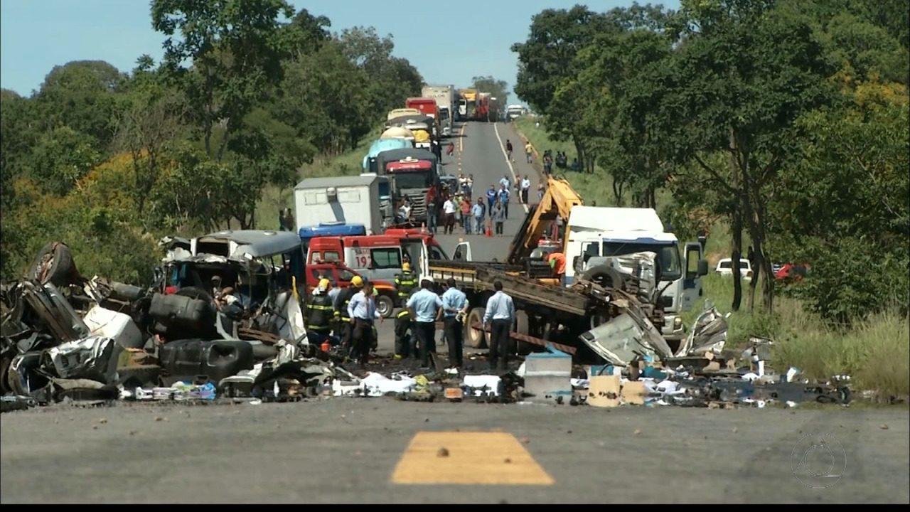 Cinco paraibanos estão entre os mortos em grave acidente em Minas Gerais