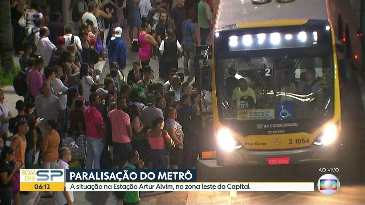 Metroviários fazem paralisação em SP; rodízio está suspenso