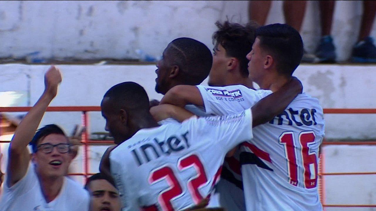 Gol do São Paulo! Toró fura na primeira tentativa mas marca na segunda aos 32' do 2º tempo