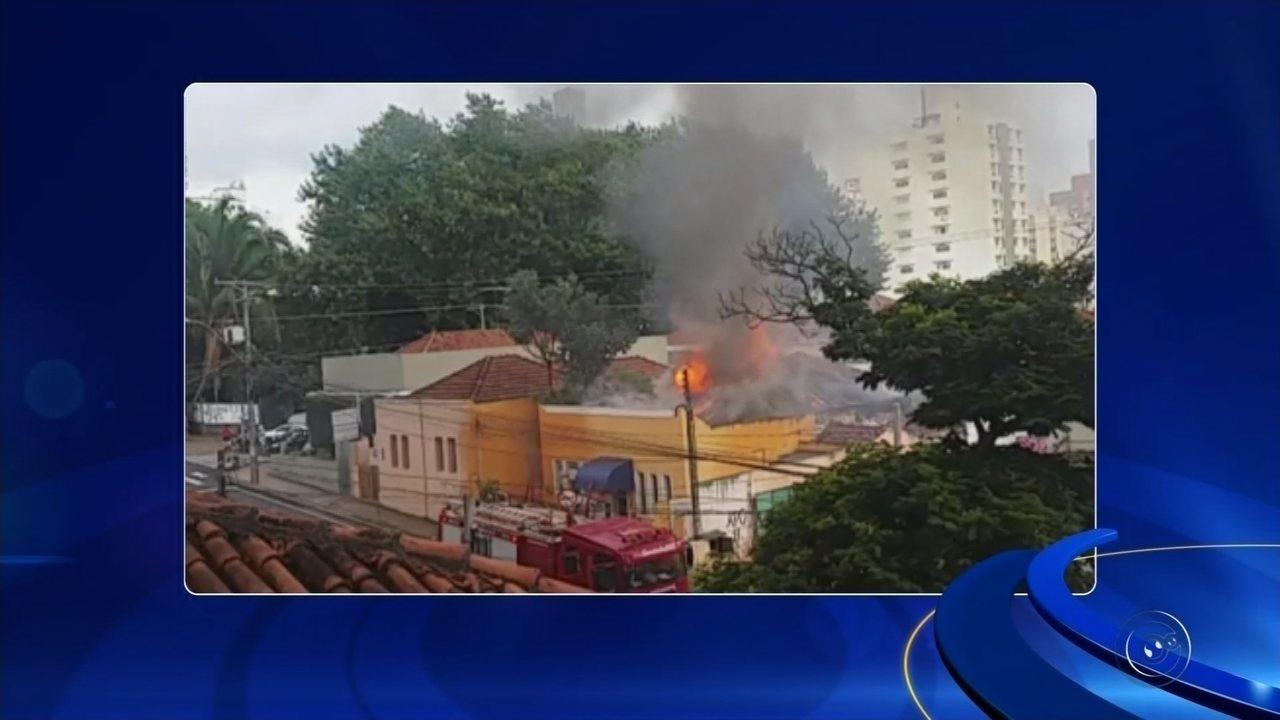 Imóvel pega fogo na região central de Rio Preto