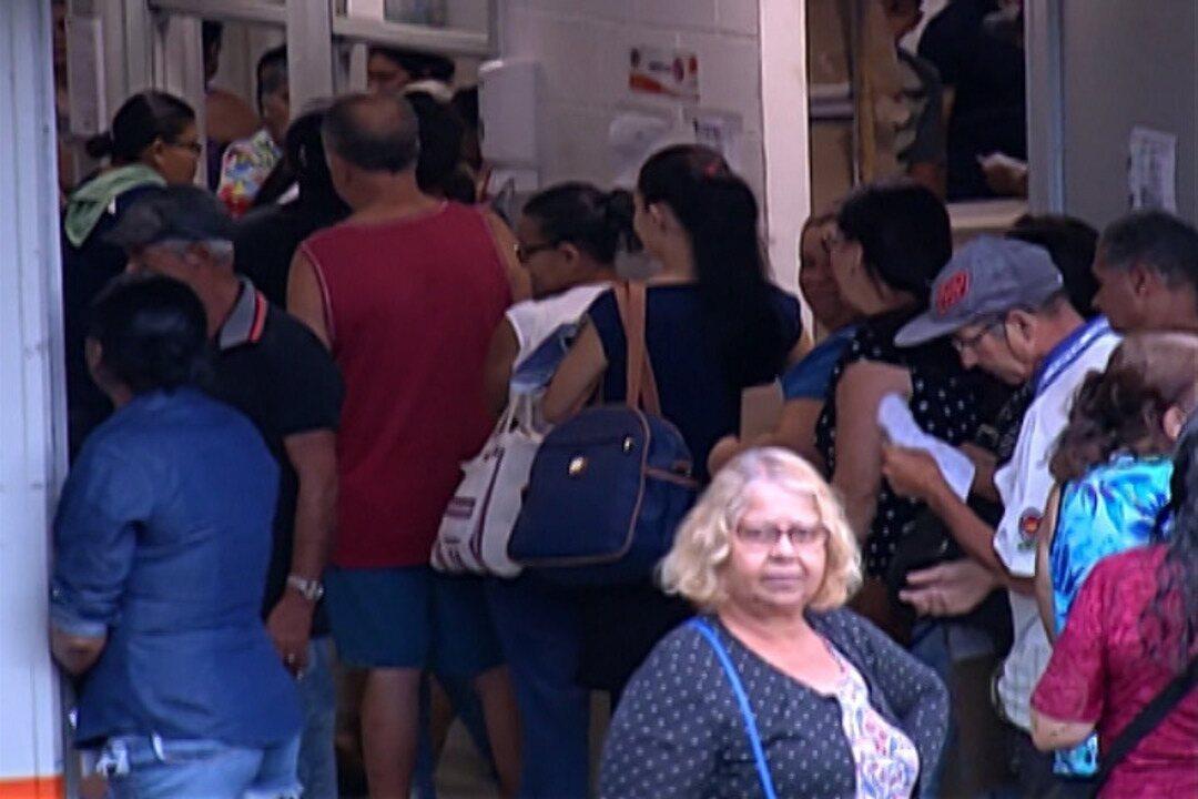 Moradores de Itaquaquecetuba sofrem com desorganização em postos de sáude