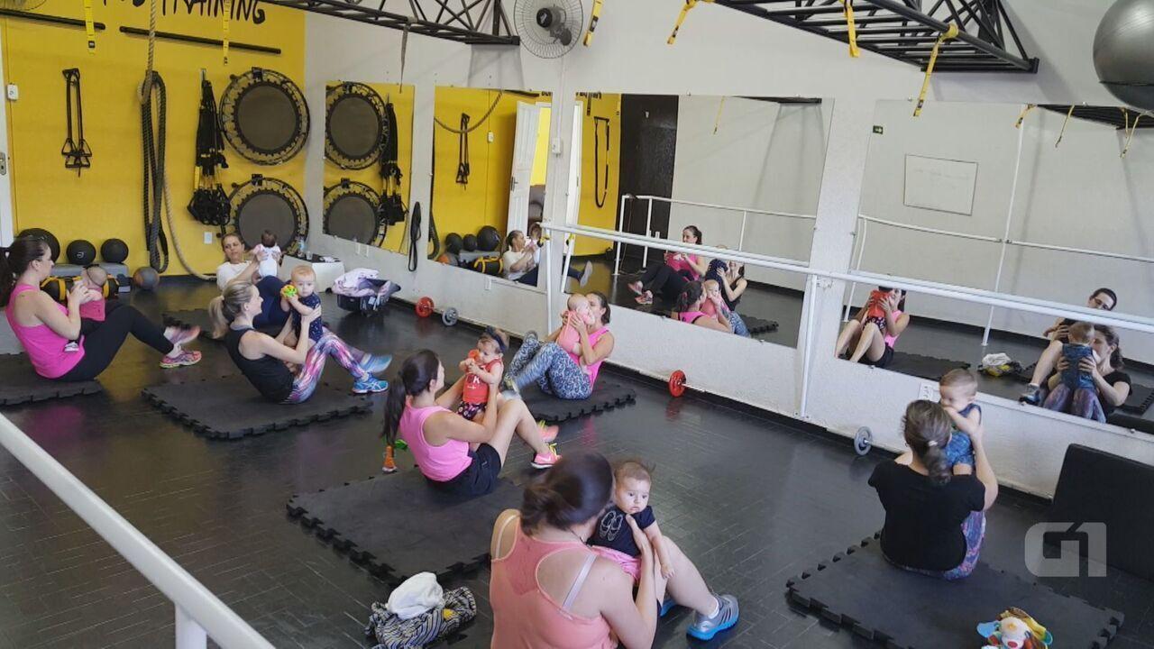 Mães usam peso de bebês para realizar treino em academia de São Carlos