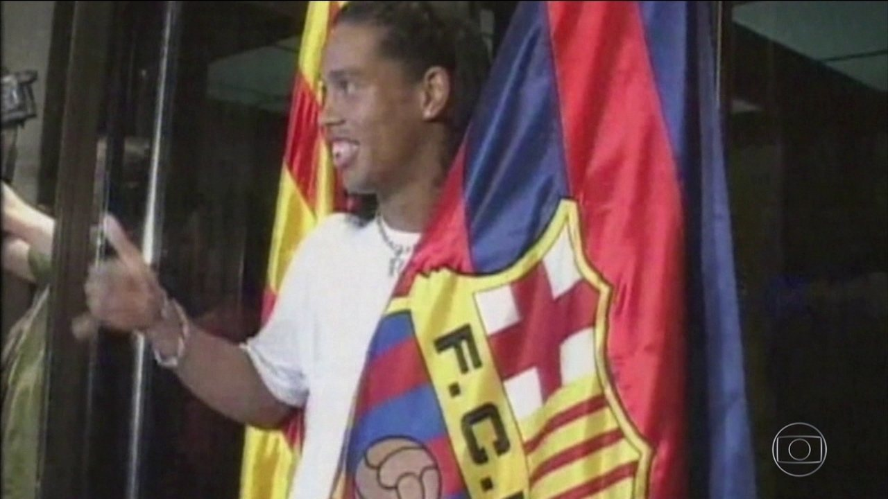 Depois de muitos shows de habilidade com alegria, Ronaldinho Gaúcho anuncia aposentadoria