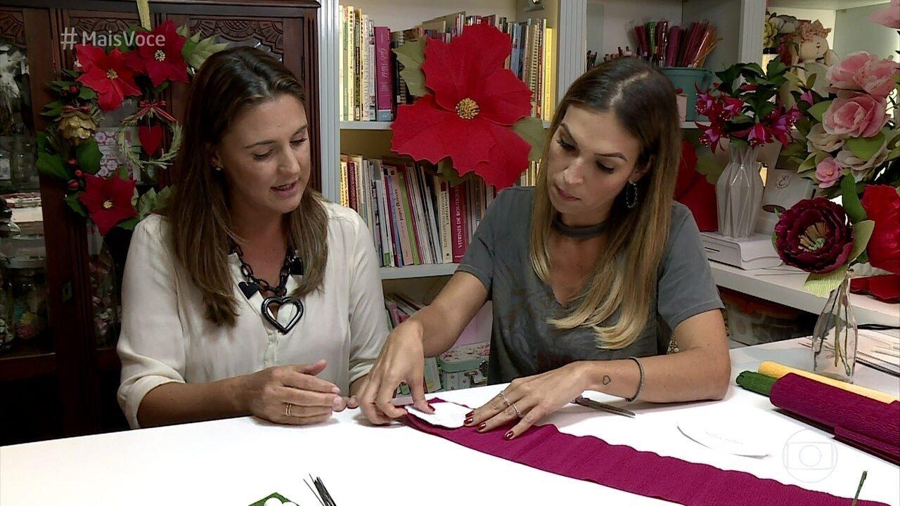 Artesã ensinar a fazer flor de crepom