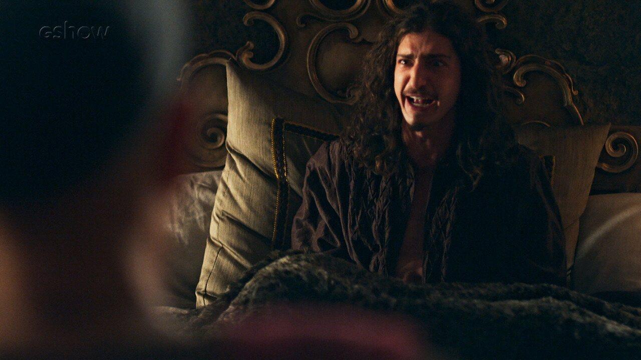 Teaser de 'Deus Salve o Rei' 24/01: Rodolfo tem um surto de pavor no dia da coroação