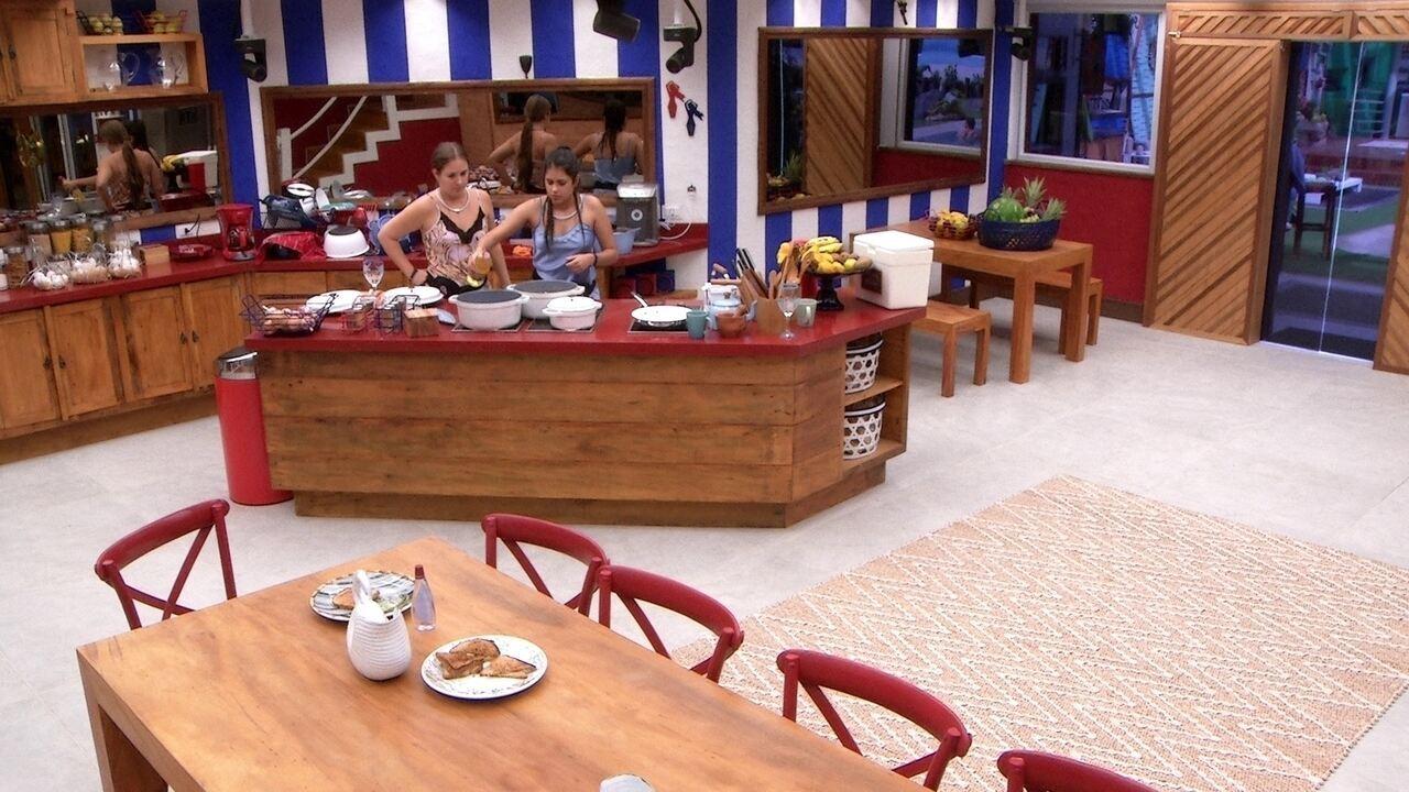Patrícia e Ana Paula preparam o almoço do Tá com Nada