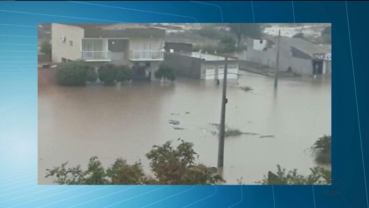 Chove forte durante a madrugada em cidades do Vale do Piancó