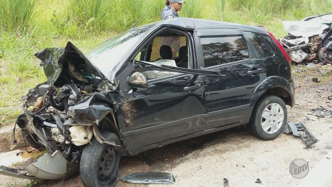 Acidente envolvendo veículos deixa 3 mortos na BR-265, em Lavras (MG)