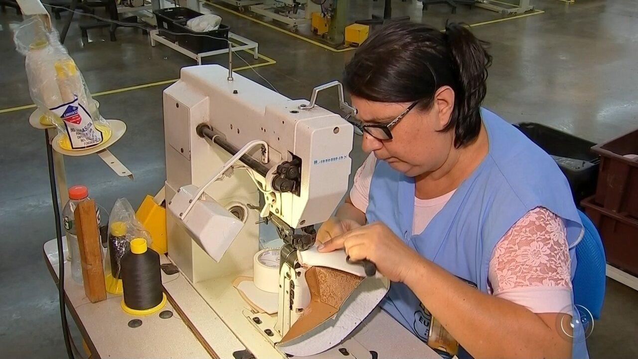 8dc2276fb Indústrias calçadistas de Birigui registram aumento no número de exportações