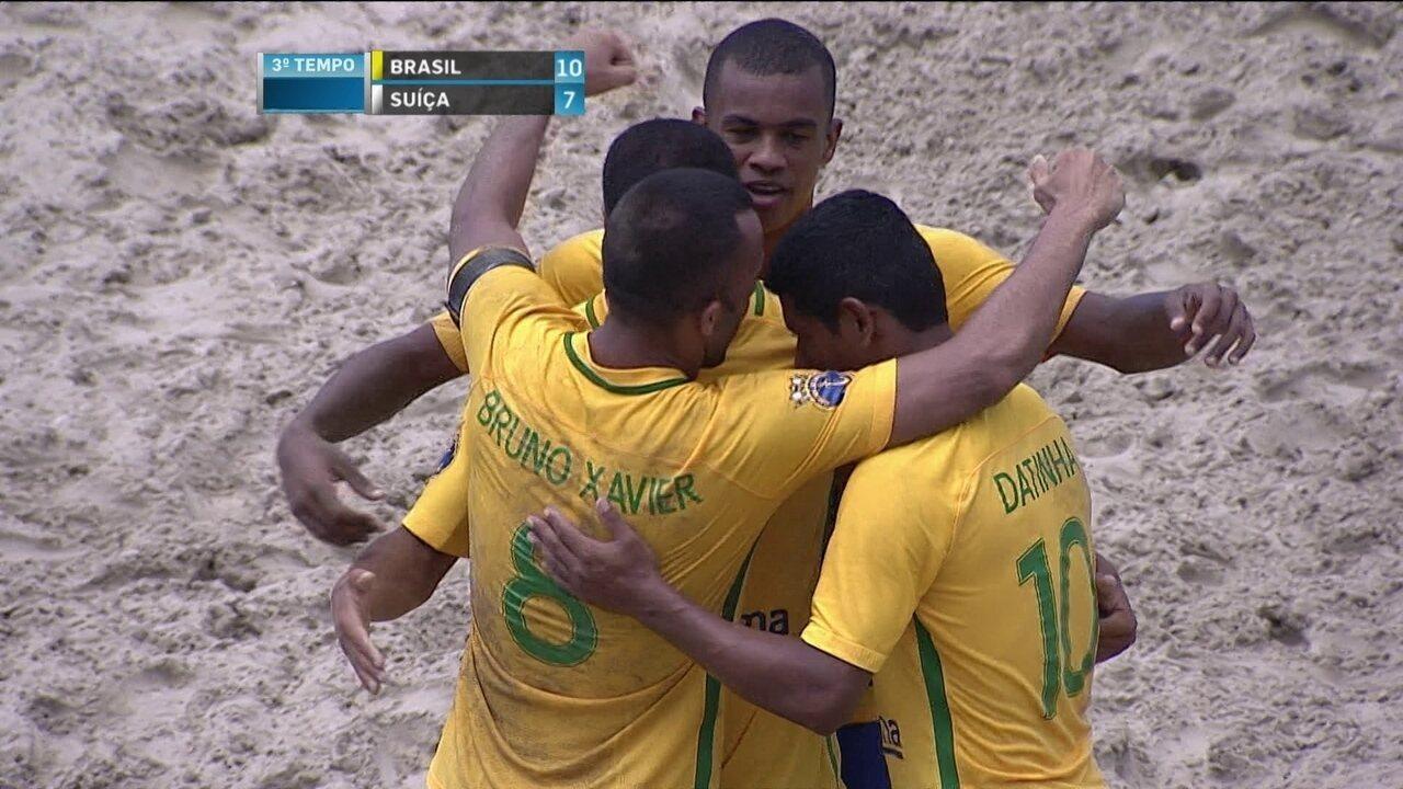 dc4e58ce68 Os gols de Brasil 11 x 7 Suíça pelo Desafio Internacional de Futebol de  Areia