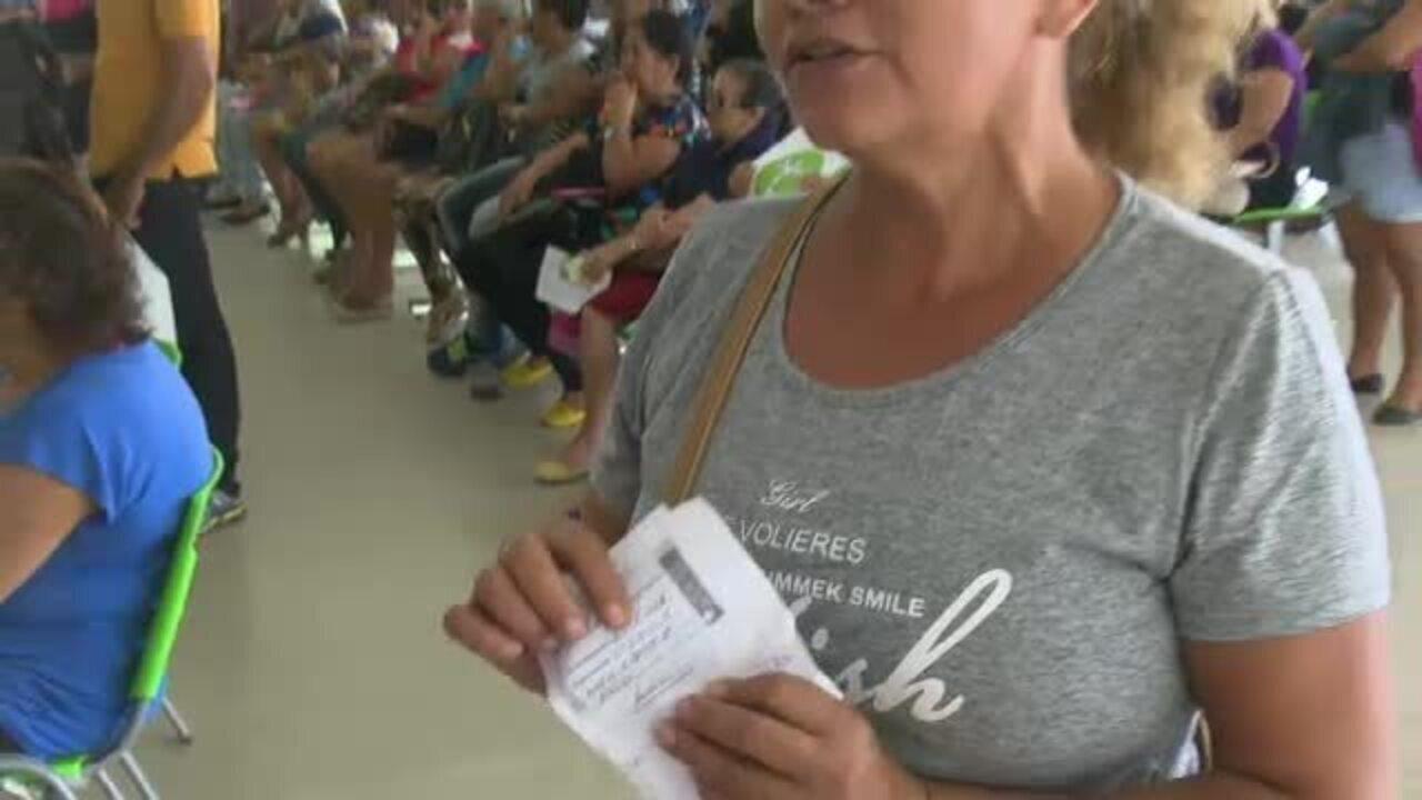 Falta de servidores atrasa atendimento e causa tumulto no Hospital das Clínicas no AC