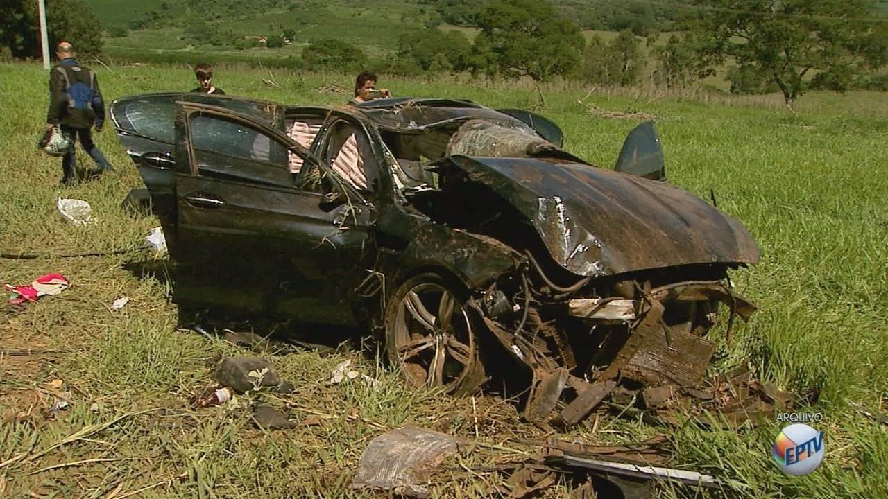 Carro estava a 190 km/h em acidente que matou três jovens em Franca, aponta laudo