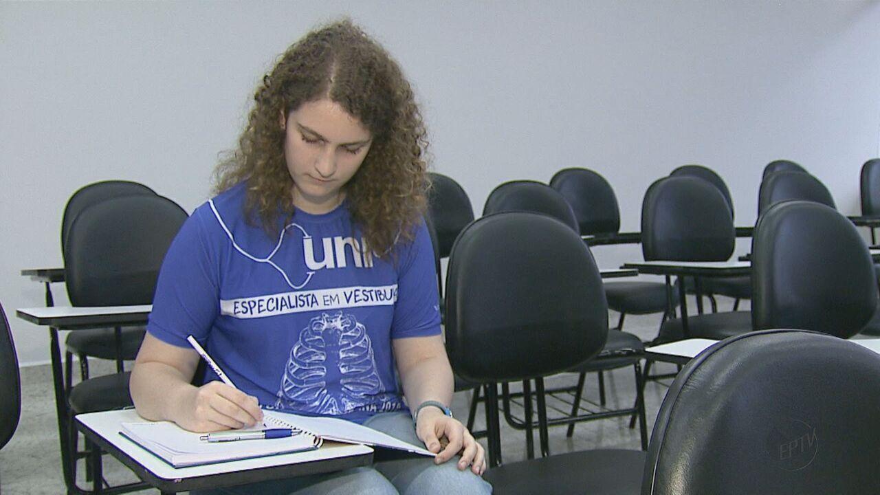 Estudante superdotada de 15 anos passa no curso de medicina na USP de Bauru