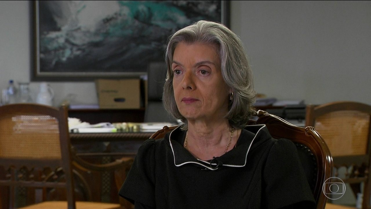 Prisão após segunda instância não está na pauta do Supremo, diz Cármen Lúcia