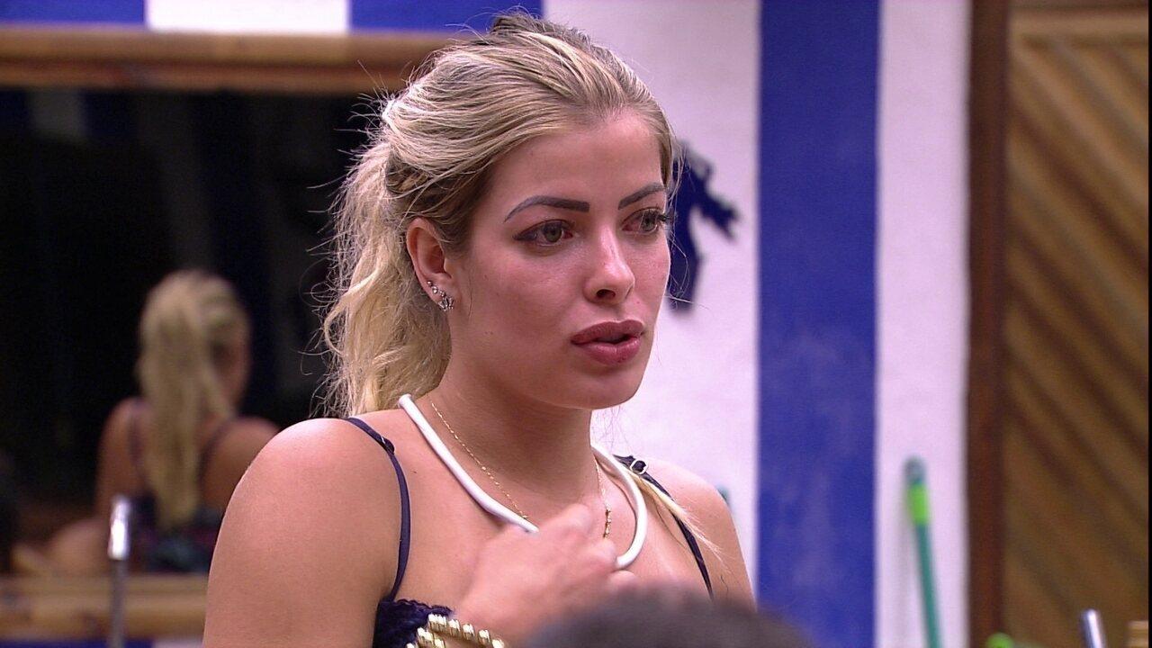 Jaqueline faz biquíni de esparadrapo no 'BBB 18': 'Igual a Anitta'