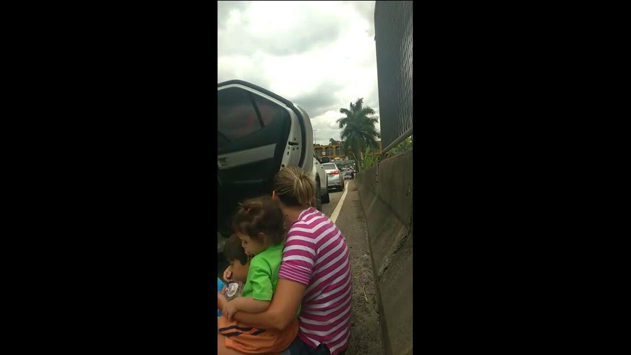 Motoristas registram desespero em meio a tiroteio no Rio
